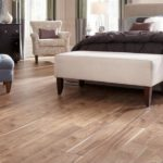 Lát sàn nhựa hèm khóa vân gỗ cho phòng khách bền đẹp, sang trọng